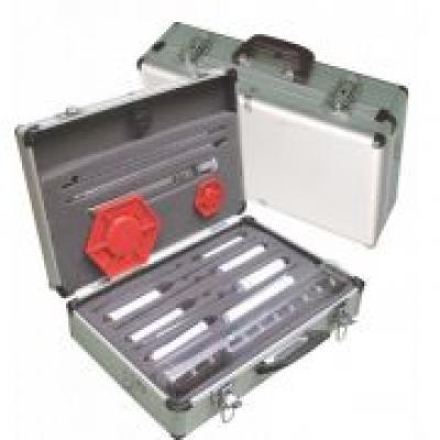 Maleta para análise de combustíveis com 10 instrumentos.
